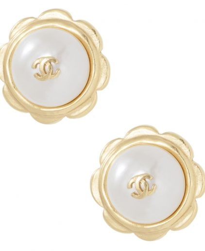 Shop Chanel Online India My Luxury Bargain Chanel Vintage Pearl Flower Clip Earrings 1997