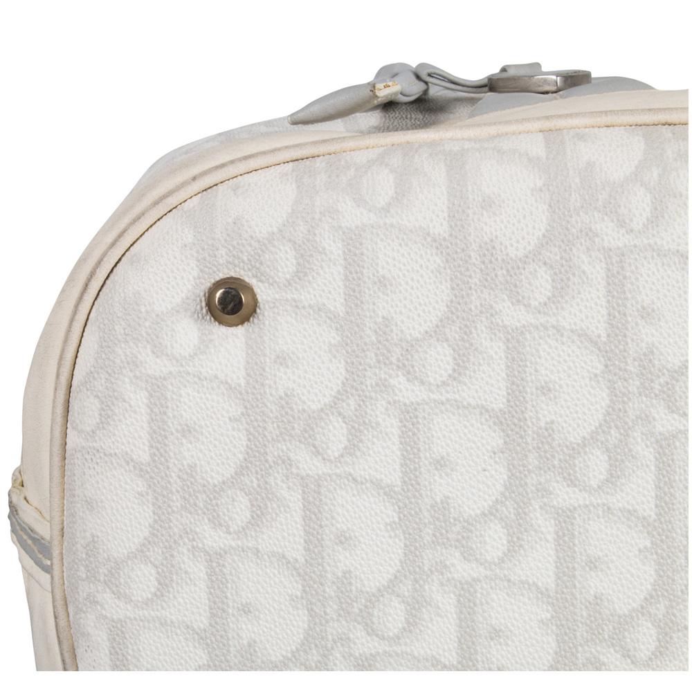 f7df5f7e98d CHRISTIAN DIOR DIORISSIMO DRAWSTRING BUCKET BAG - My Luxury Bargain