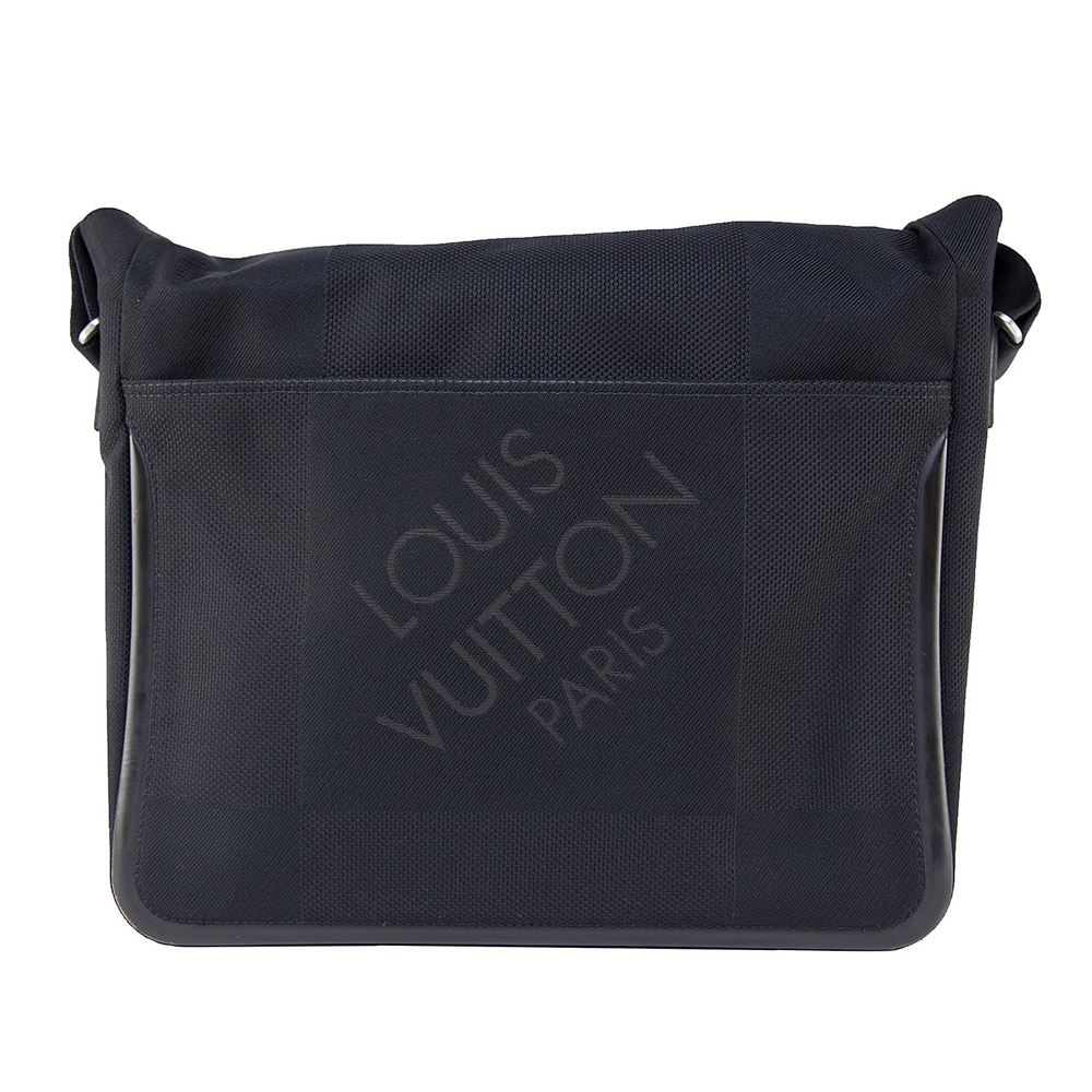 e19f6169f244 Louis Vuitton Black Damier Geant Canvas Messenger Bag GM